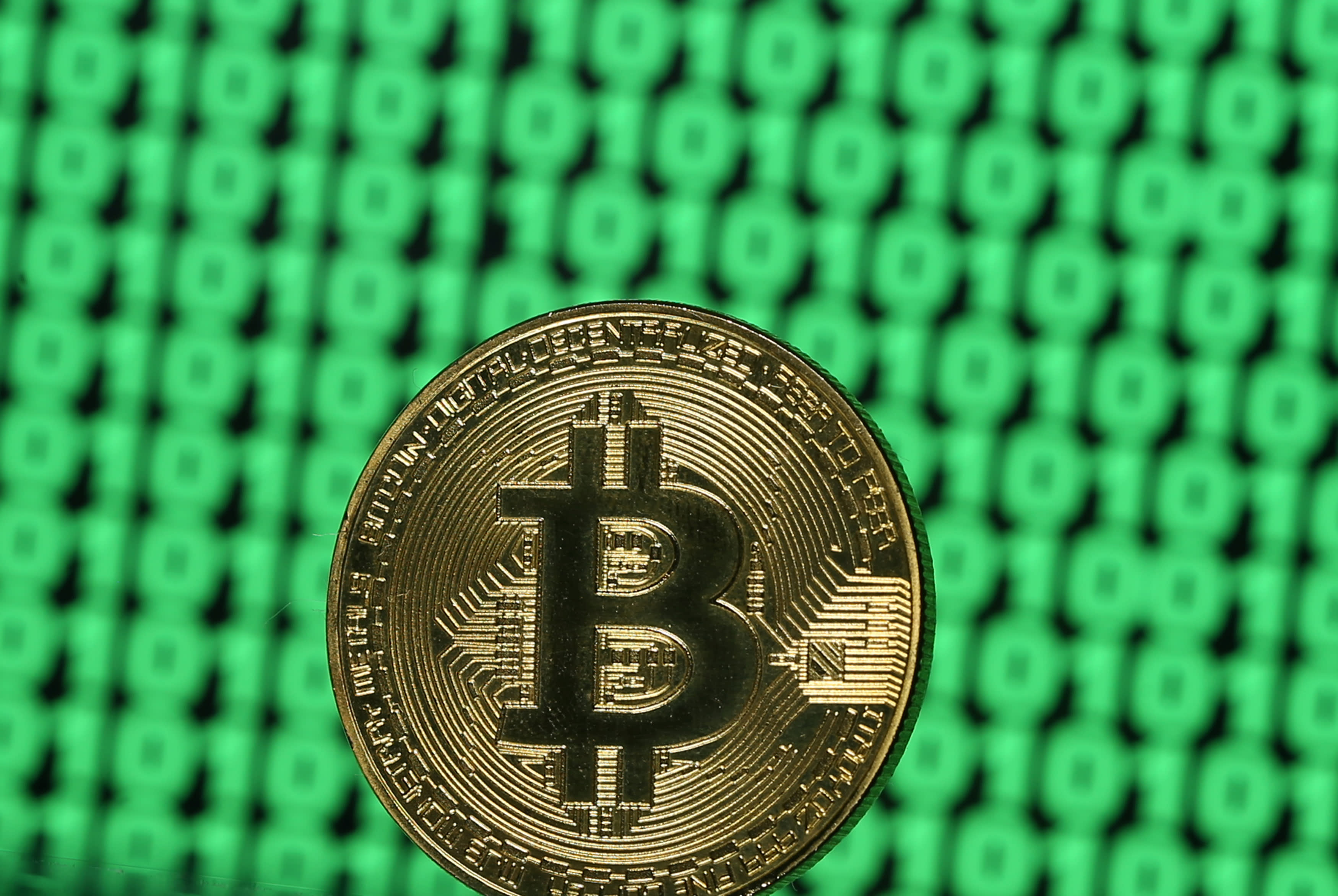 trade raw gold for cryptocurrency